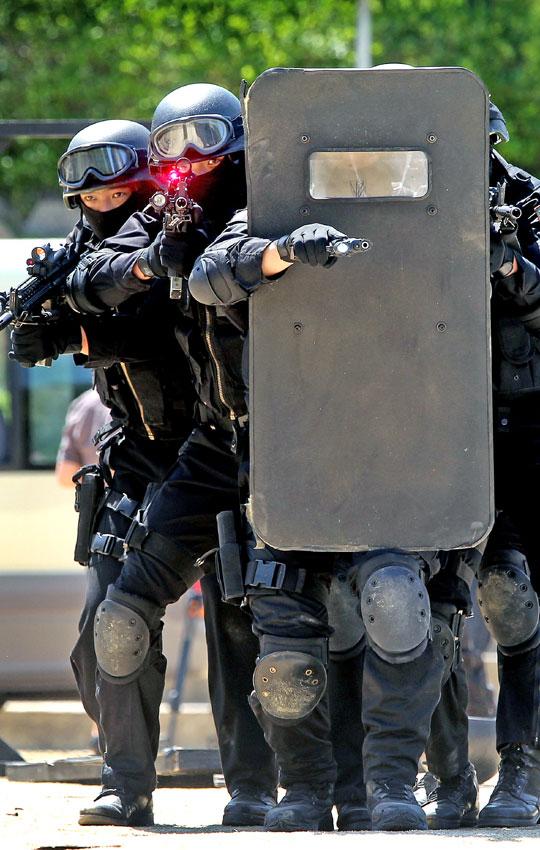 写真】G20首脳会議対応テロ訓練|...