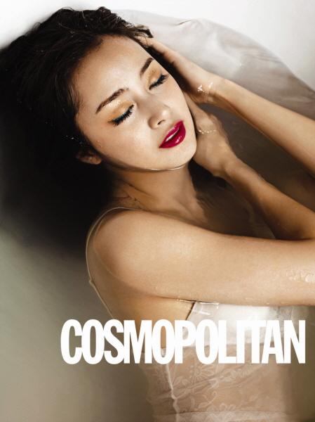 ファッション誌「コスモポリタン」強烈な魅力を見せた女優キム・テヒ(写真=コスモポリタン提供)。
