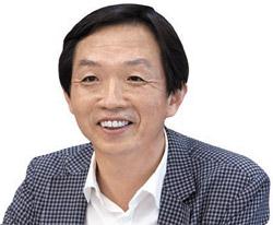 鄭元基(チョン・ウォンギ)弁理士(50)。