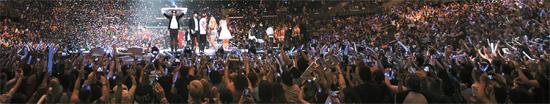 今月初めに米ロサンゼルスで開かれた韓流コンサート「KCON2015」はほぼ満員となり、観客の90%以上が米国人だった。(写真=CJ E&M)