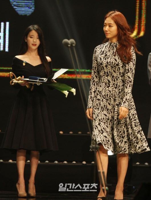 29日、大韓民国大衆文化芸術賞授賞式が国立劇場ヘオルム劇場で行われた。女優のパク・シネが国務首相表彰を受賞している。