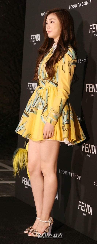 4日、ソウル江南区狎鴎亭路の「BOON THE SHOP清潭」で開かれたフェンディの「SEOUL PEEKABOO PROJECT」オープニングイベントに登場したキム・ヨナ。