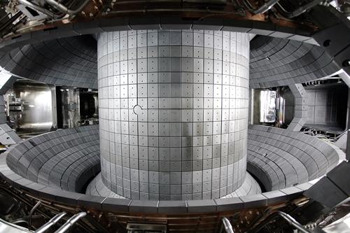 KSTAR真空容器の内部(写真=国家核融合研究所)