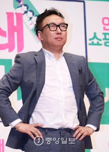 韓国のお笑いタレント、パク・ミョンス