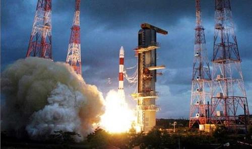昨年4月、インドは7回目の航法人工衛星ロケットの発射に成功した。(写真=インド宇宙研究機関)