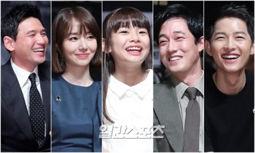 左から俳優のファン・ジョンミン、女優のイ・ジョンヒョン、子役女優のキム・スアン、俳優のソ・ジソブ、ソン・ジュンギ。