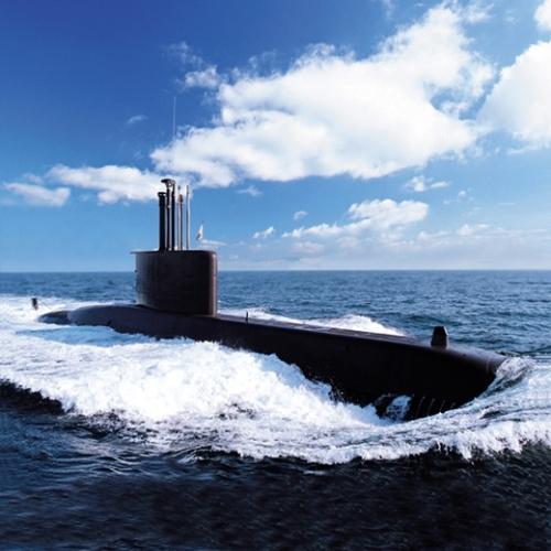 大宇造船の潜水艦が試運転している様子。(写真=中央フォト)