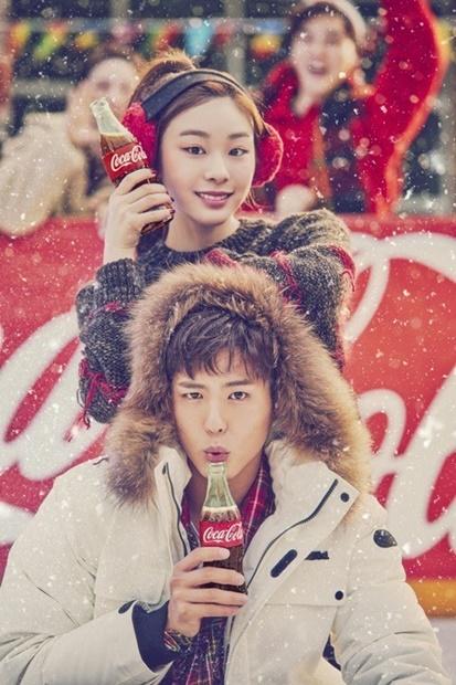 キム・ヨナ(上)と俳優のパク・ボゴム(写真提供=コカ・コーラ)