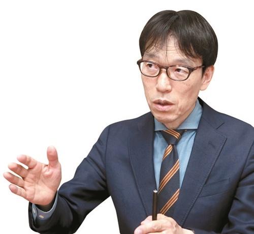 青島矢一教授