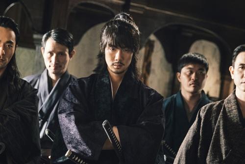 tvNドラマ『ミスター・サンシャイン』に登場する日本の浪人「ク・ドンメ」(ユ・ヨンソク扮)。朝鮮白丁の息子だったが、日本に渡り日本人になった。(写真提供=tvN)