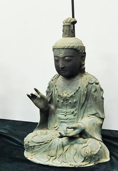 金銅観世音菩薩坐像