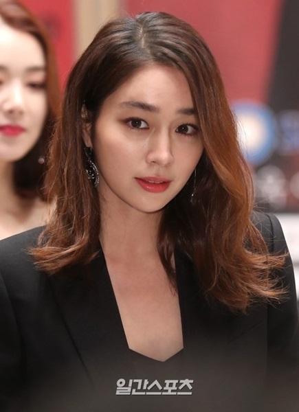 30日午後、ソウル木洞SBSで開かれた新ドラマ『運命と怒り』の製作発表会に参加した女優イ・ミンジョン