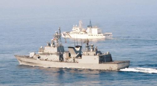 駆逐艦「広開土大王」の機動訓練の様子(写真提供=海軍)
