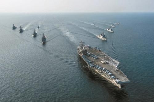 ロナルド・レーガン艦(CVN 76)をはじめとする空母打撃群(写真=中央フォト)