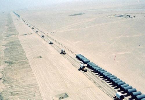 韓国の建設会社が1980年代に受注した「リビア大水路」の建設現場。成長を続けてきた韓国の建設産業は最近になり急速に後退している(写真=中央フォト)
