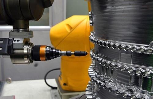 ハンファエアロスペースのエンジン部品新工場。
