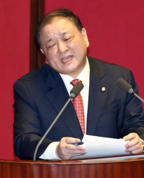 姜昌一(カン・チャンイル)韓日議員連盟会長