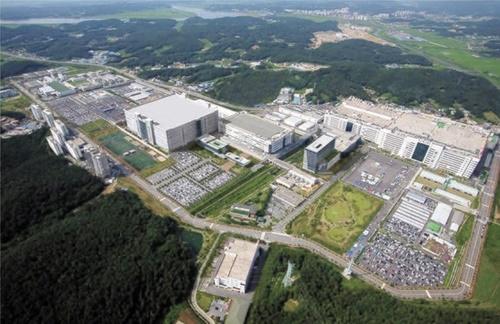 LGディスプレーが最近3兆ウォンの追加投資計画を明らかにした坡州工場全景。有機ELパネル生産ラインを備えている。[写真 LGディスプレー]
