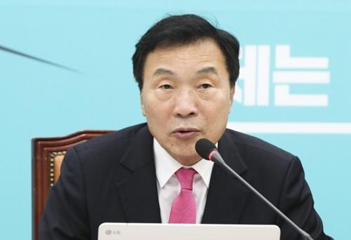 正しい未来党の孫鶴圭(ソン・ハッキュ)代表
