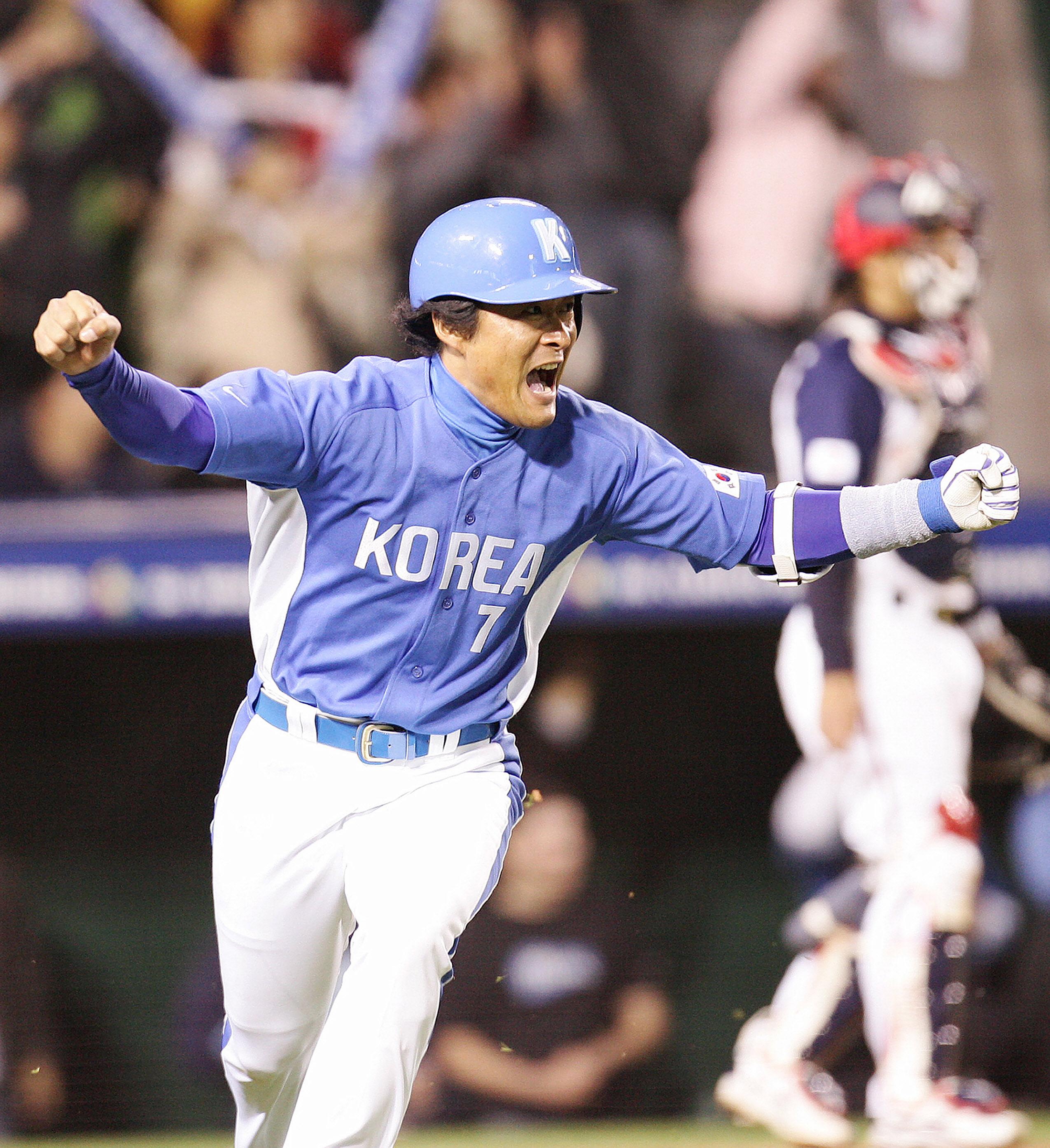韓国代表で活躍した当時の李鍾範(イ・ジョンボム)コーチ