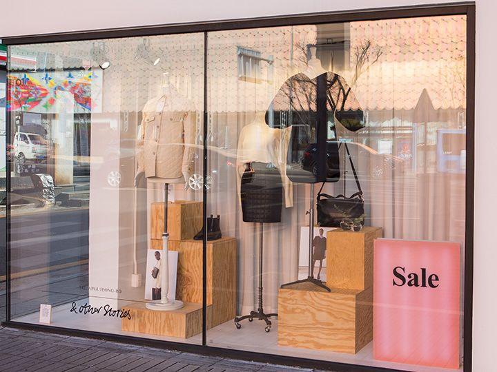 カジュアルでリーズナブルなアイテムが多い「H&M」に比べ、ハイセンスながら手頃な価格なのが特徴。日本では買えない世界で人気の海外ブランドを韓国でチェックしてみてください!