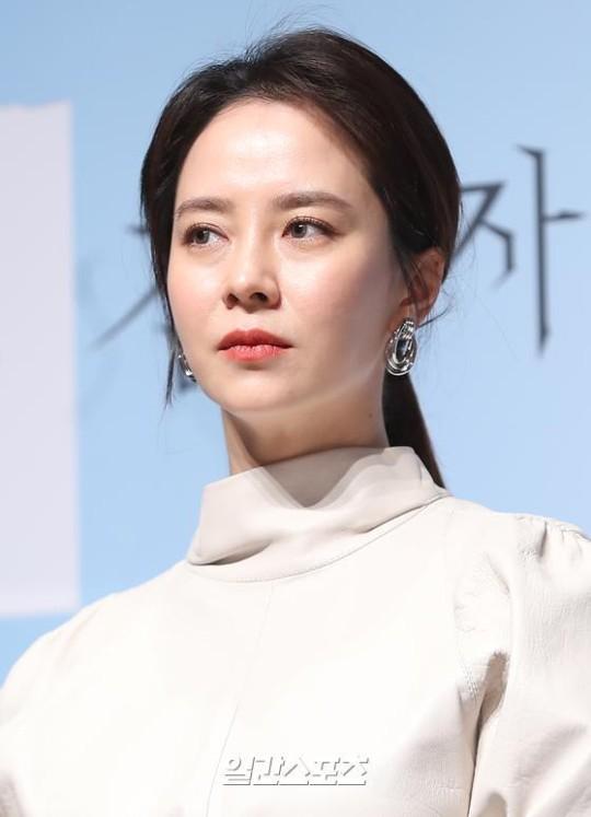 12日午前、ソウル江南区新沙洞の狎鴎亭CGVで開かれた映画『侵入者』(原題)製作報告会に出席した女優のソン・ジヒョ。