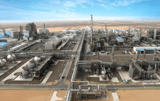 現代エンジニアリングがトルクメニスタンで建設したエタンクラッカーやポリエチレンなどを生産する化学プラント。[写真 現代エンジニアリング]