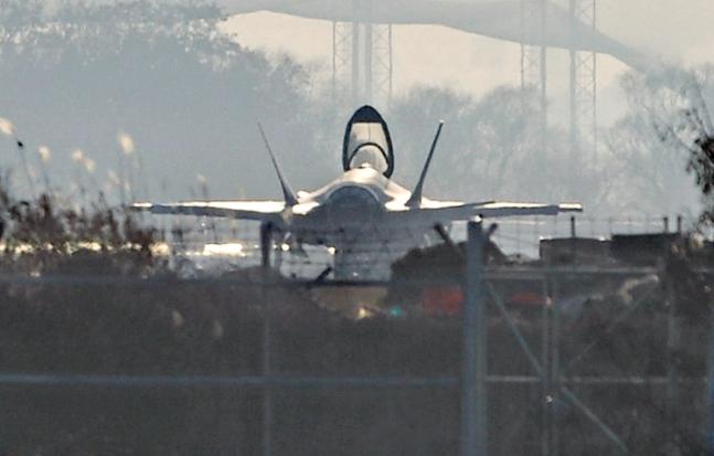 最新鋭F35Aステルス戦闘機