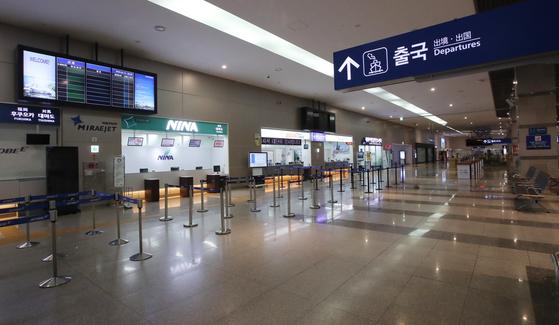 釜山東区(プサン・ドング)釜山港国際旅客ターミナル出国場が空いている。ソン・ポングン記者