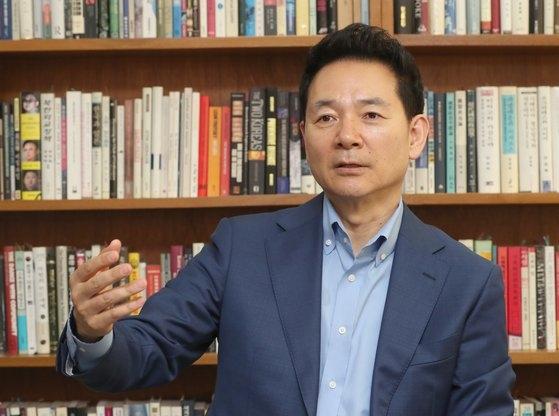 昨年8月、中央日報とインタビューを行った世界と北東アジア平和フォーラムの張誠ミン理事長。チェ・チョンドン記者