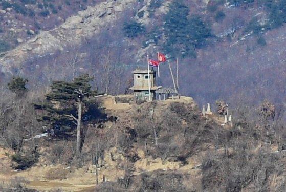 江原道高城(カンウォンド・コソン)の北朝鮮軍GP。(※同写真は資料写真で、記事内容とは関係ありません)[中央フォト]