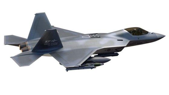 韓国型次世代戦闘機(KFX)のイメージ。2026年までにシステム開発を終え、2028年に追加の武装試験を完了するのが目標。[写真 韓国航空宇宙産業]