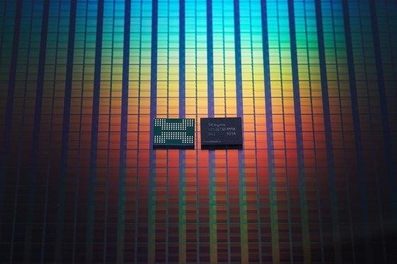 SKハイニックスが開発した128段NAND型フラッシュメモリ[写真 SKハイニックス]