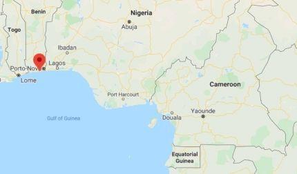 韓国人船員5人が拉致されたベナン・コトヌー港(赤点)南部。[グーグル地図 キャプチャー]