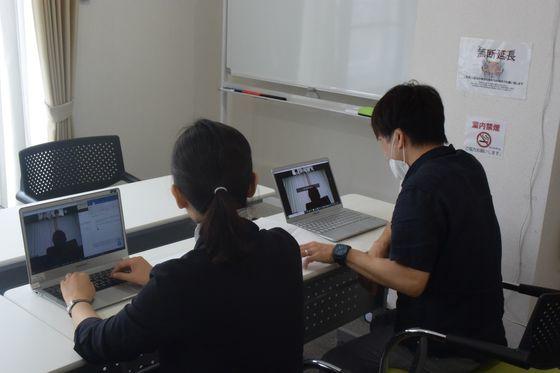 今月25日、ソ・スンウク、ユン・ソルヨン東京特派員が画像を通して船橋洋一氏にインタビューをしている。シン・ドンファ日本支社長。