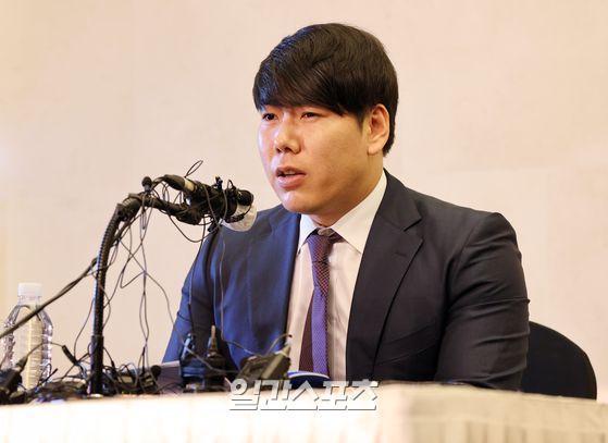 姜正浩(カン・ジョンホ、33)