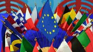 欧州連合(EU)と加入国の旗.