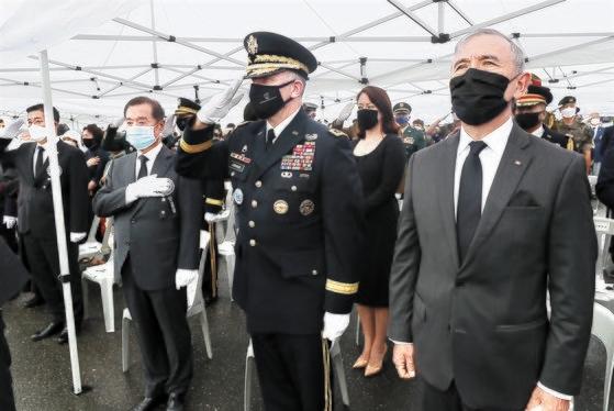 白善ヨプ将軍埋葬式>在韓米軍司令官「戦友よ、安らかに…」 | Joongang ...