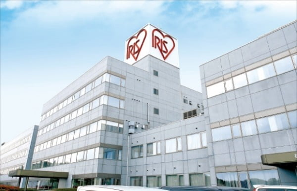 月間1億5000万枚のマスクを生産するアイリスオーヤマ宮城県角田工場。