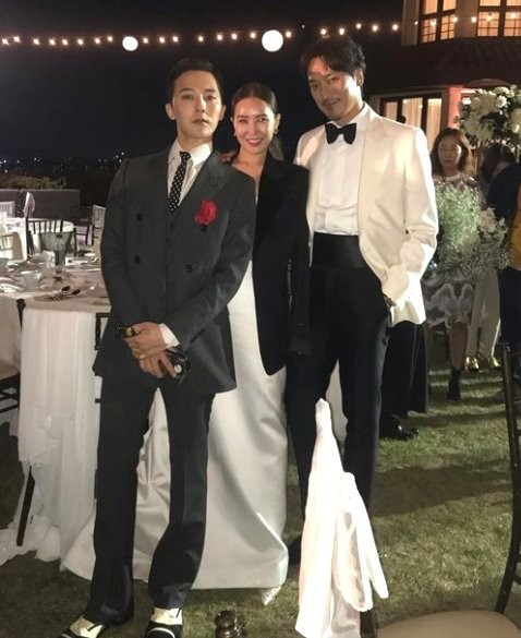 左からG-DRAGON、クォン・ダミ、キム・ミンジュン[インスタグラム キャプチャー]