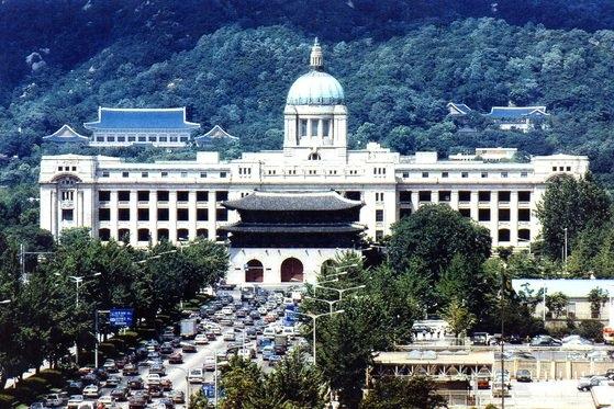 日帝残滓清算と民族精気回復次元から撤去された旧朝鮮総督府建物全景。[中央フォト]