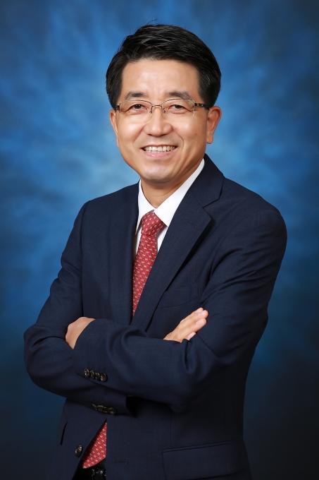 玄沢煥(ヒョン・テクァン)ソウル大学碩座教授兼基礎科学研究院(IBS)ナノ粒子研究団団長