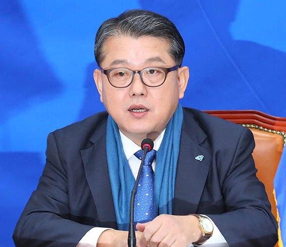 「共に民主党」の金炳周(キム・ビョンジュ)議員