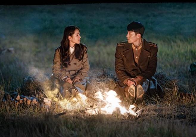 今年日本で大きな人気を得た韓国ドラマ『愛の不時着』。[写真 Netflixキャプチャー]