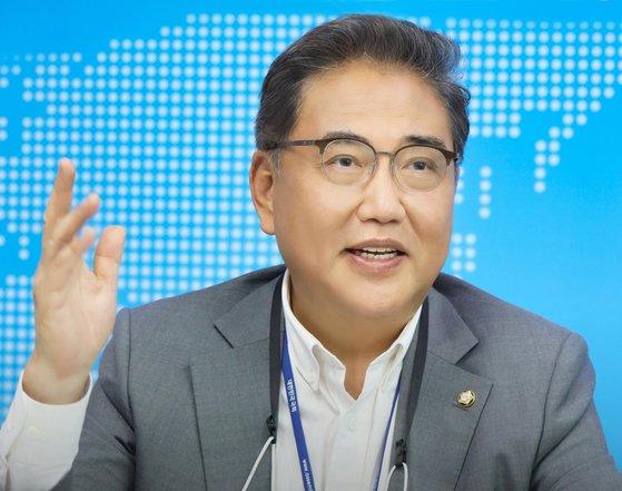 党内きっての米国通に挙げられる「国民の力」の朴振議員は30日、中央日報との電話インタビューで「韓米同盟が堅固だったなら現在のようなワクチン確保の出遅れをめぐる議論はあっただろうか」として繰り返し韓米ワクチンスワップ論を主張した。[中央フォト]