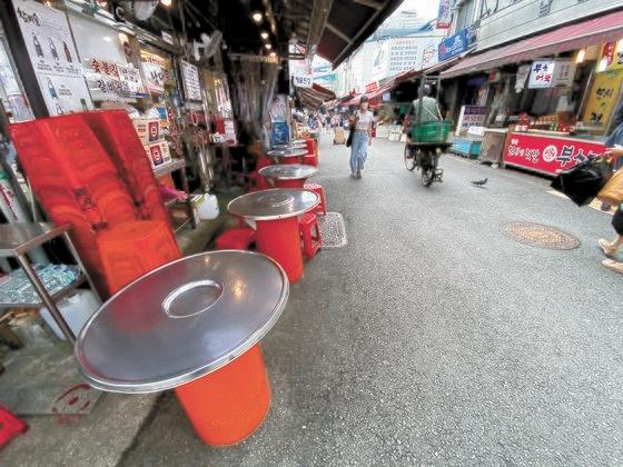ソウル南大門市場の食堂通りが閑散としている。 チェ・チョンドン記者