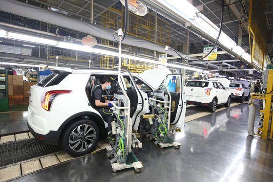 双竜自動車平沢工場の組み立てライン。[写真 双竜自動車]