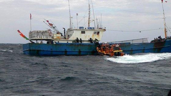 韓国海洋警察が違法中国漁船を特別取り締まっている。※写真は本事件とは関係はありません。[写真 西海地方海洋警察庁]