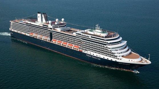 「ダイアモンド・プリンセス」とほぼ同じ時期にカンボジアに入港したクルーズ船「ウエステルダム」。※本記事とは直接関係はありません
