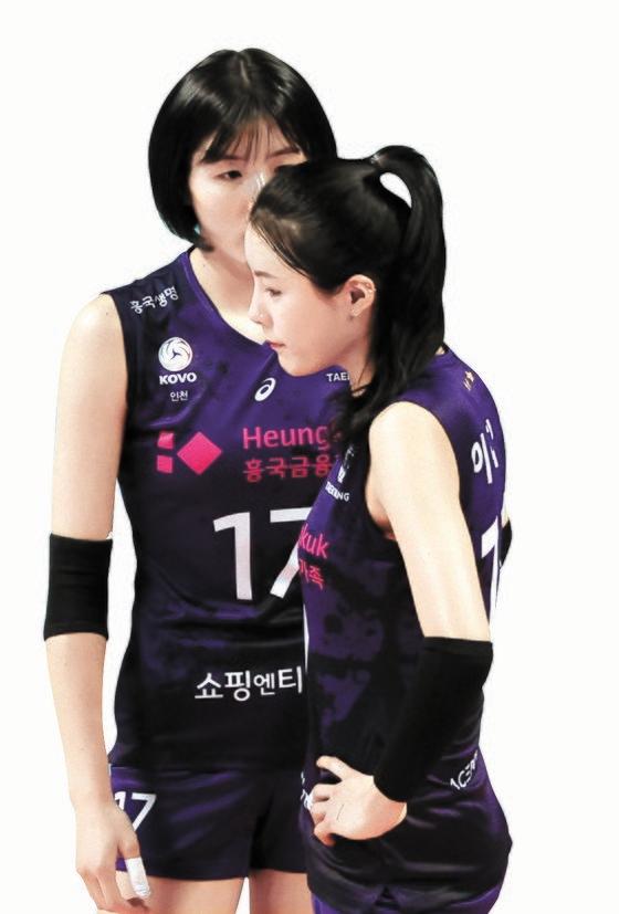 韓国バレーボール女子国家代表のイ・ジェヨン(左)、イ・ダヨン(右)